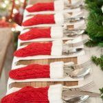 8-Table-Decor-With-Red-And-White-Christmas-Stockings-839×1024.jpg