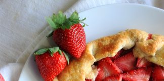 How to Make Strawberry Galette