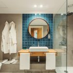 10 great ideas to modernize your bathroom
